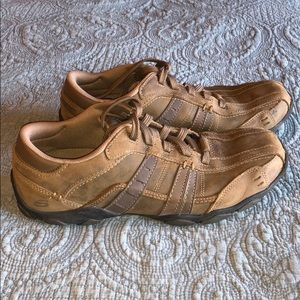 Sketchers leather casual shoes